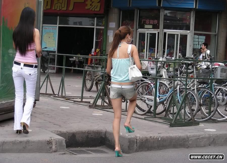 街拍各种美女今天