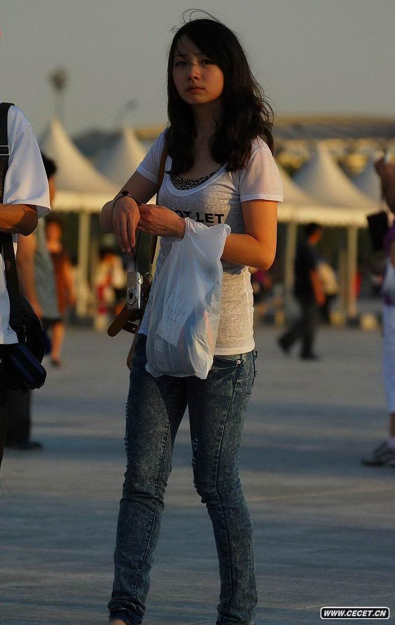 街拍低腰牛仔裤mm图片