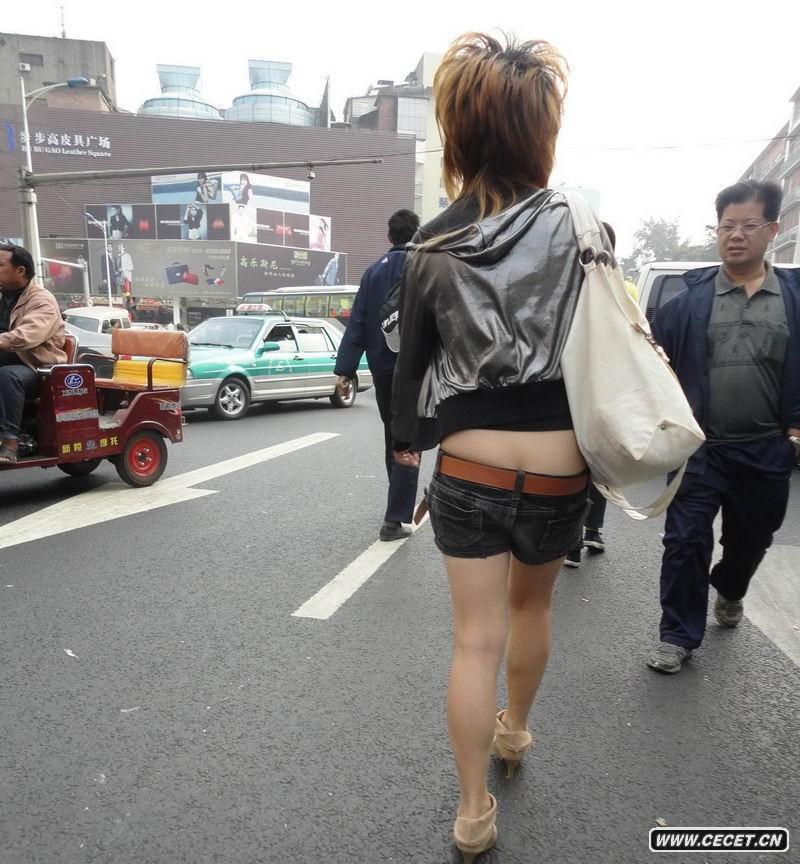 豹纹包臀_广州跟拍低腰裤女孩 - 中国娱乐资讯网CECET.CN