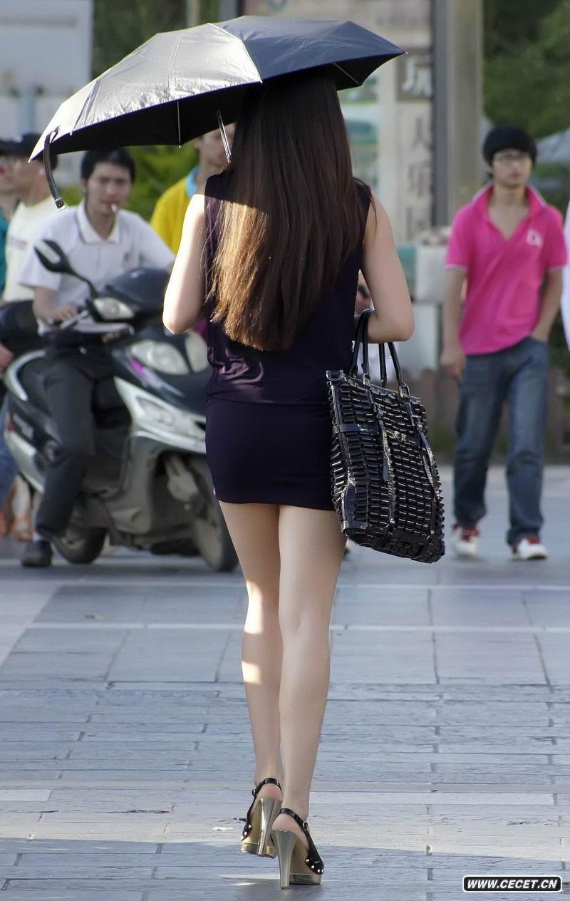 街拍超短紧身裙美女图片