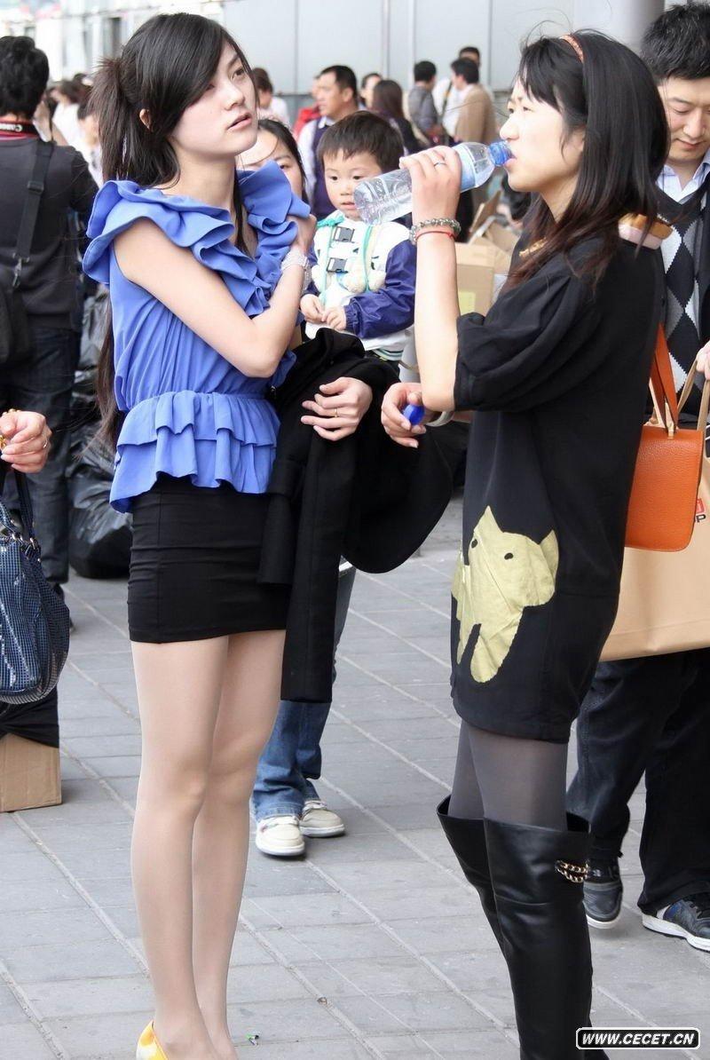 经典街拍第20集 淄博汽车站的丝袜女孩 - 聚美楼 - 聚美楼