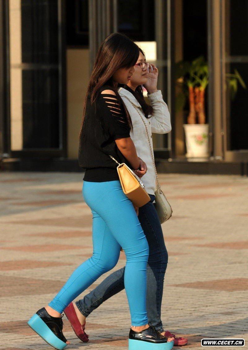 中国娱乐资讯紧身裤女生_街拍七分紧身裤女孩中国娱乐资讯网cecetcn