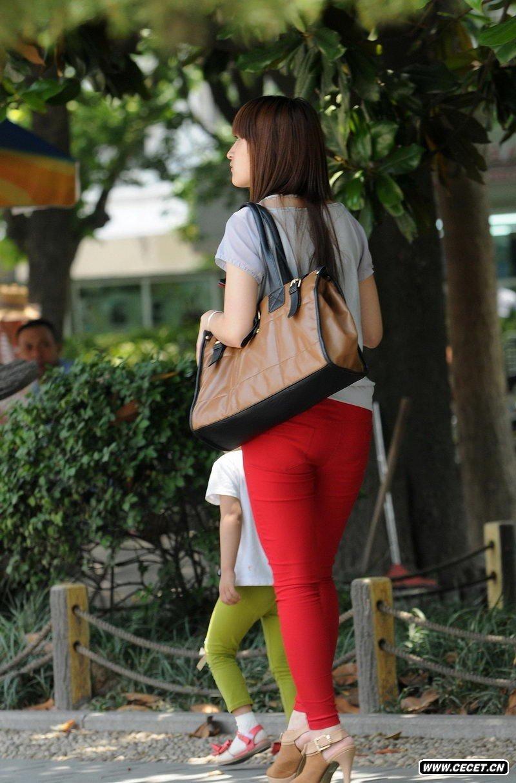 工业大学的红牛仔裤女生 - 酷爱熟女 - 酷爱熟女