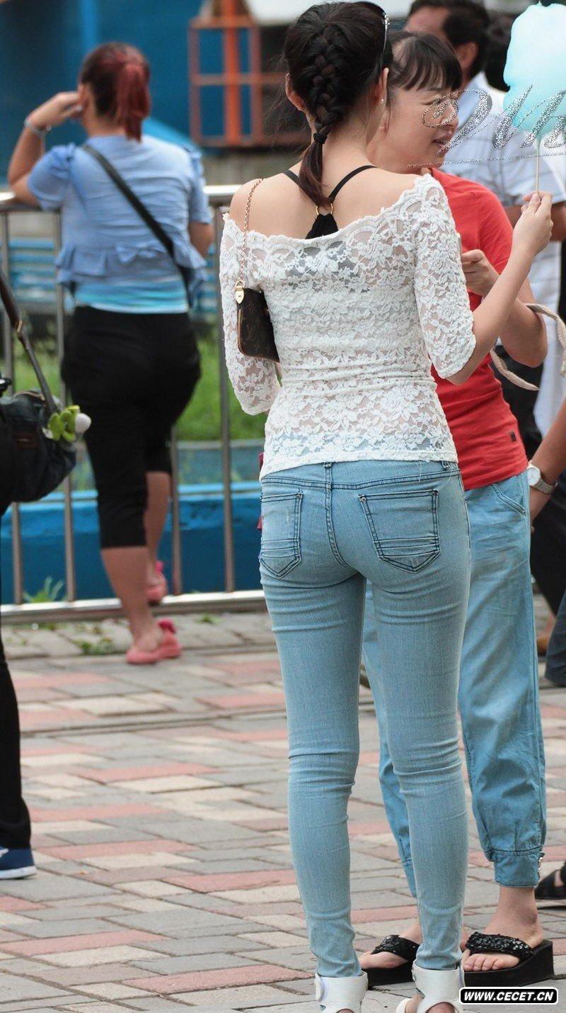 ... 牛仔裤的美女_牛仔裤美女街拍图片_紧身牛仔裤曲线