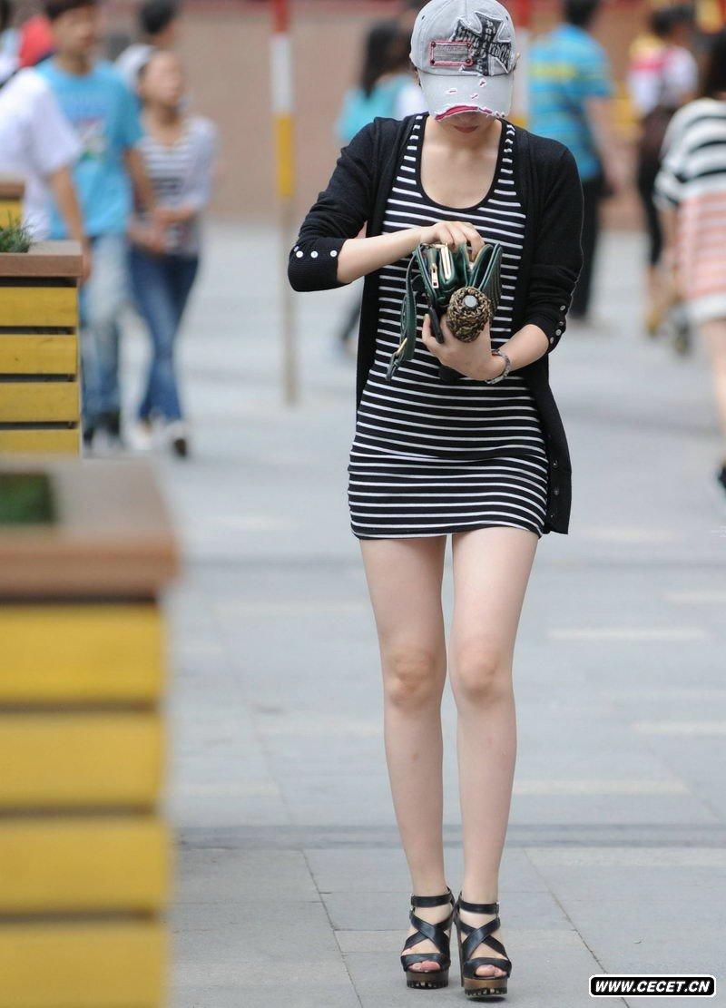 锦江乐园街拍连衣裙长腿美女图片