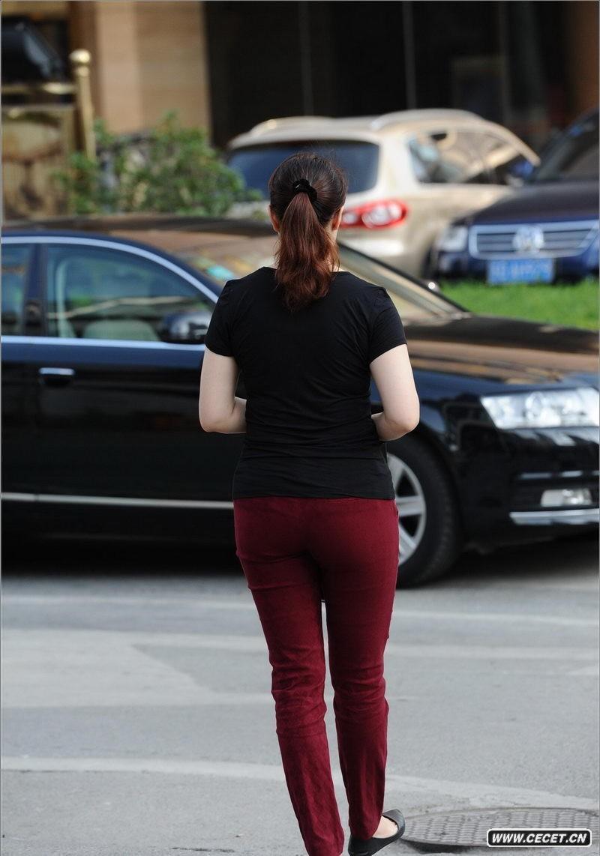 娱乐资讯网_拍透明防晒裤高挑身材美女中国娱乐资讯网C
