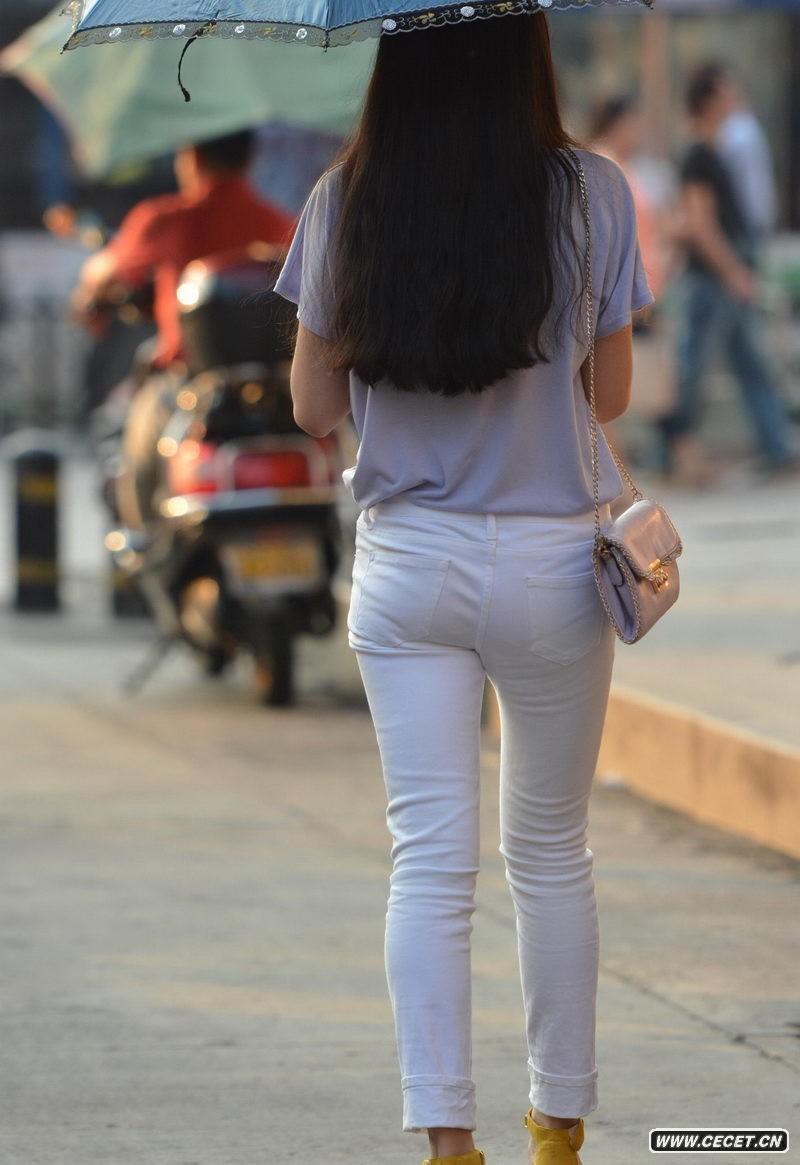 街拍美女紧身裤图_电影院门口街拍紧身裤美女中国娱乐资讯网C