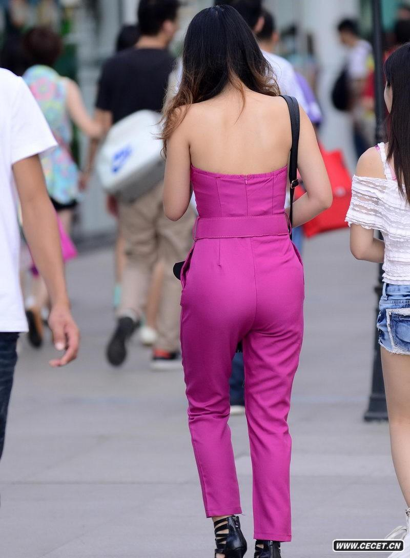 中国娱乐资讯网街拍_街拍透明防晒裤高挑身材美女中国娱乐资讯网