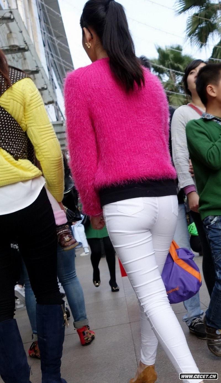 中国娱乐资讯紧身裤女生_打扮很哈韩的白色紧身裤女孩中国娱乐资讯网