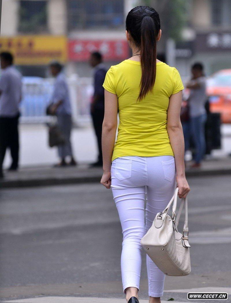街拍美女紧身裤图_