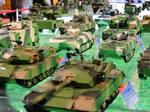 国产新型武器装备模型集中展出