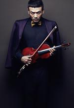 杨烁与小提琴互动写真