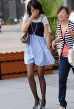广顺西路街拍的连衣裙
