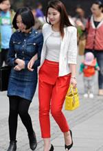 丽水广场街拍的红色长