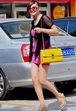 街拍的包臀裙肉丝袜太