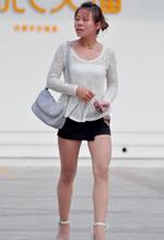 薄丝袜少妇白嫩美腿俏