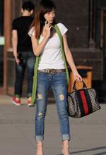 解放西路街拍的牛仔裤