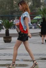 东达广场街拍的长细腿