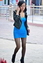 街拍的包臀短裙超薄黑