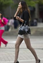 长腿灰丝包臀裙美妇让