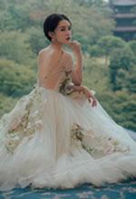 李沁京都的花下仙女照